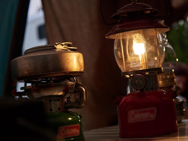 キャンプ初心者に!簡単・大光量のガスランタン5選【おすすめキャンプ用品】