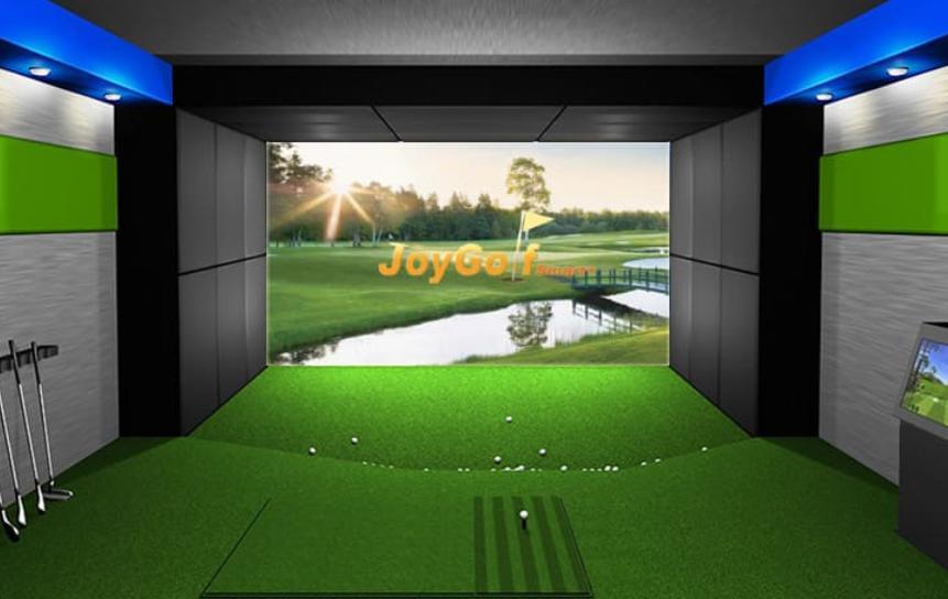 ゴルフシミュレーターを自宅に設置して毎日コースで練習している人が増加中です!